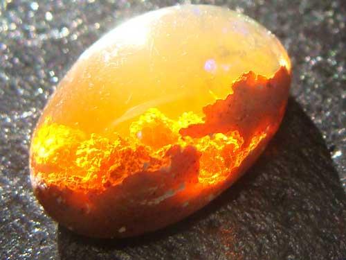 Камень опал и его свойства: кому подходит по знаку зодиака, цвет и значение
