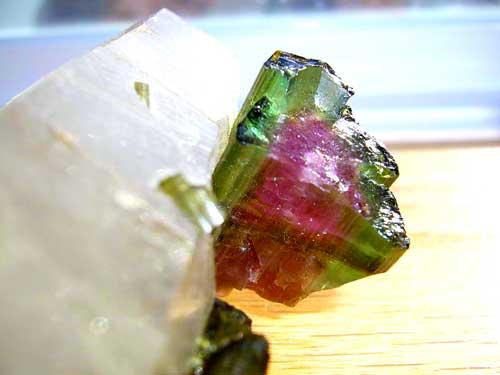 Камень турмалин и его свойства: кому подходит по знаку зодиака, цвет и значение