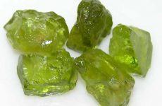 Описание камня и магические свойства хризолита: значение для человека