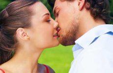 Как научиться правильно целоваться в первый раз взасос?