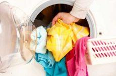 Полиняла вещь: как отстирать в домашних условиях?