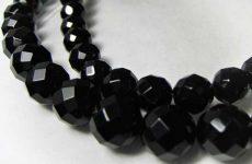 Описание камня и магические свойства оникса: значение для человека
