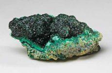 Описание камня и магические свойства малахита: значение для человека